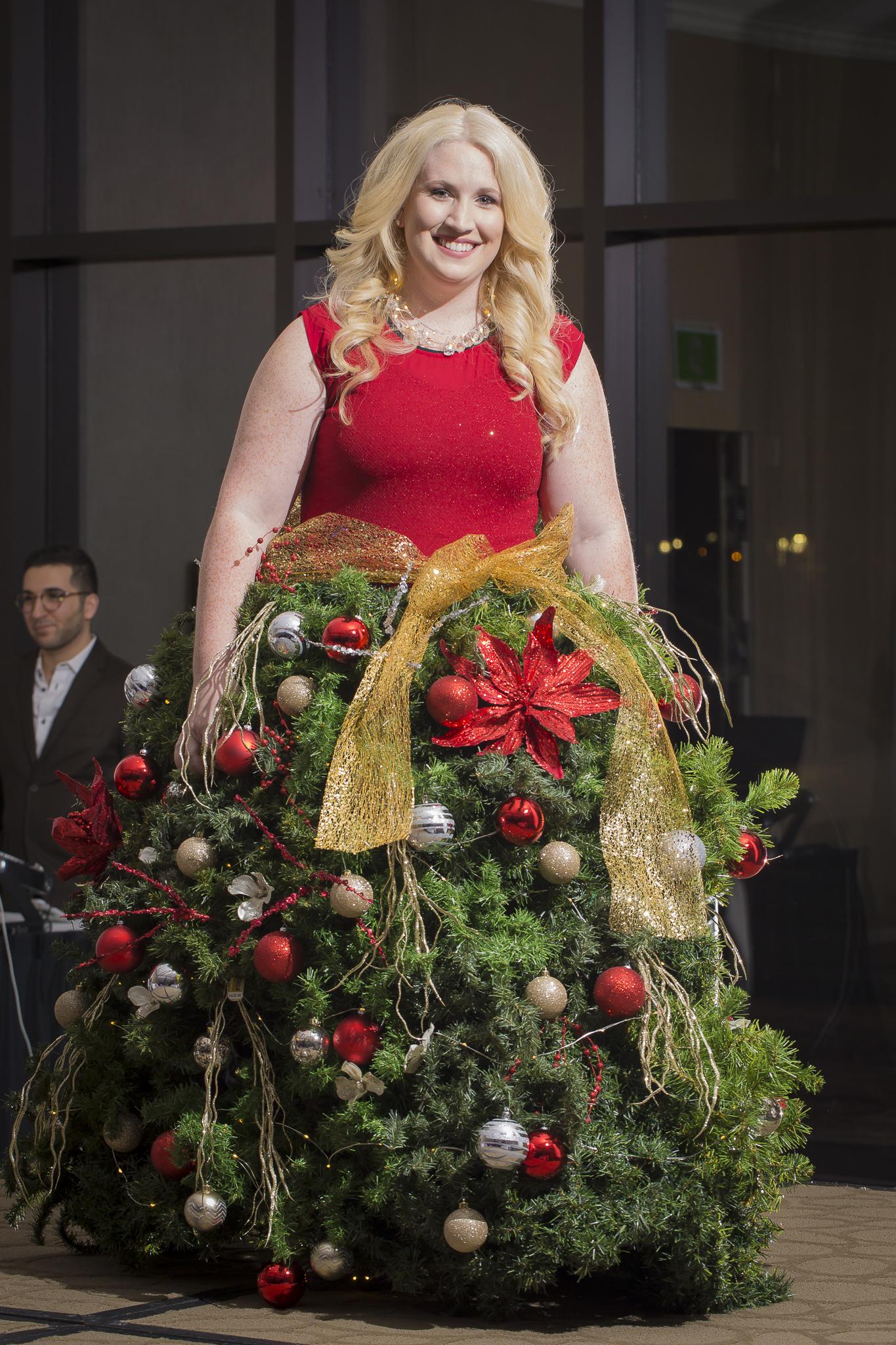 Christmas Tree Fashion Show 34