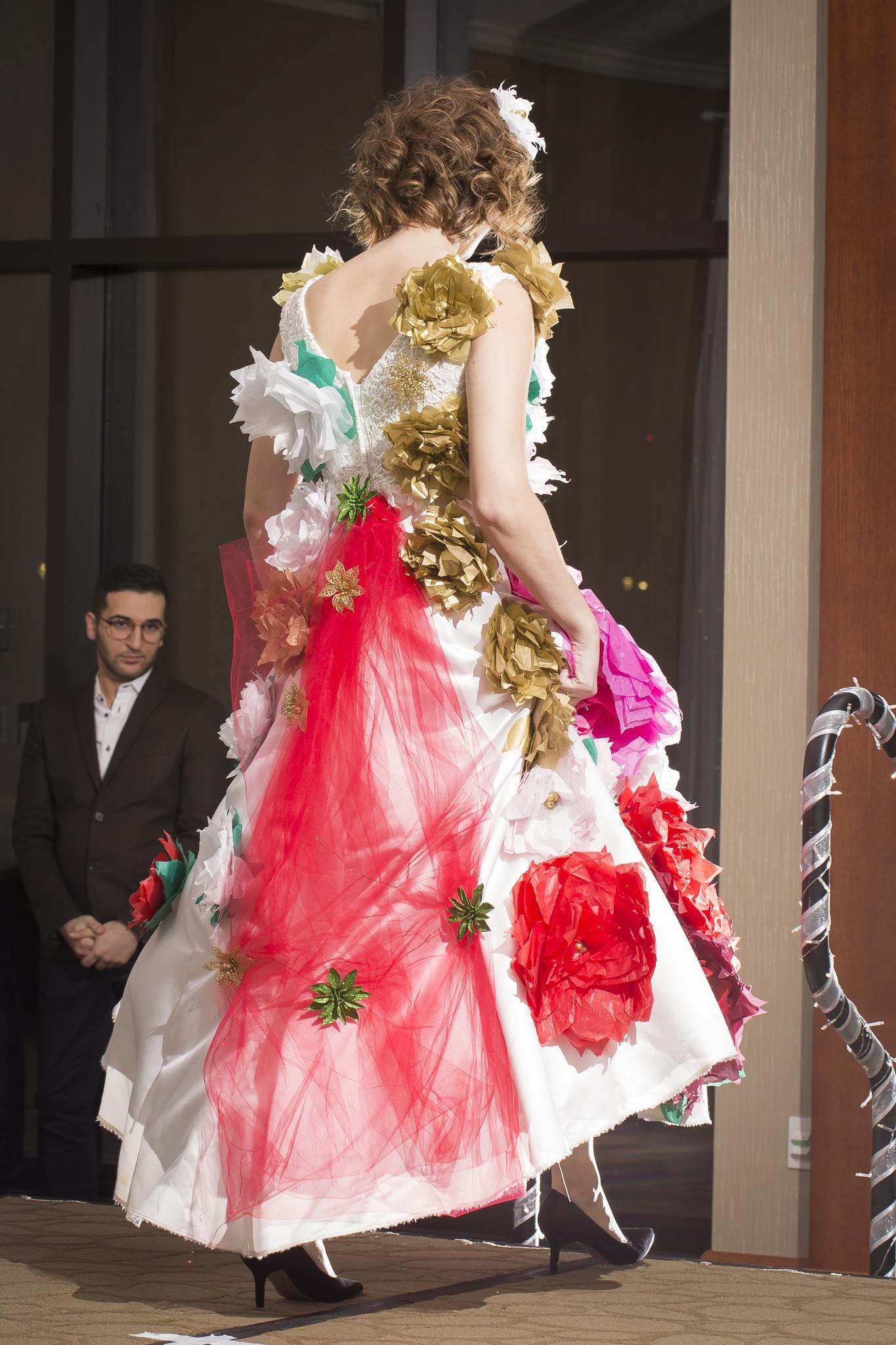 Christmas Tree Fashion Show 32