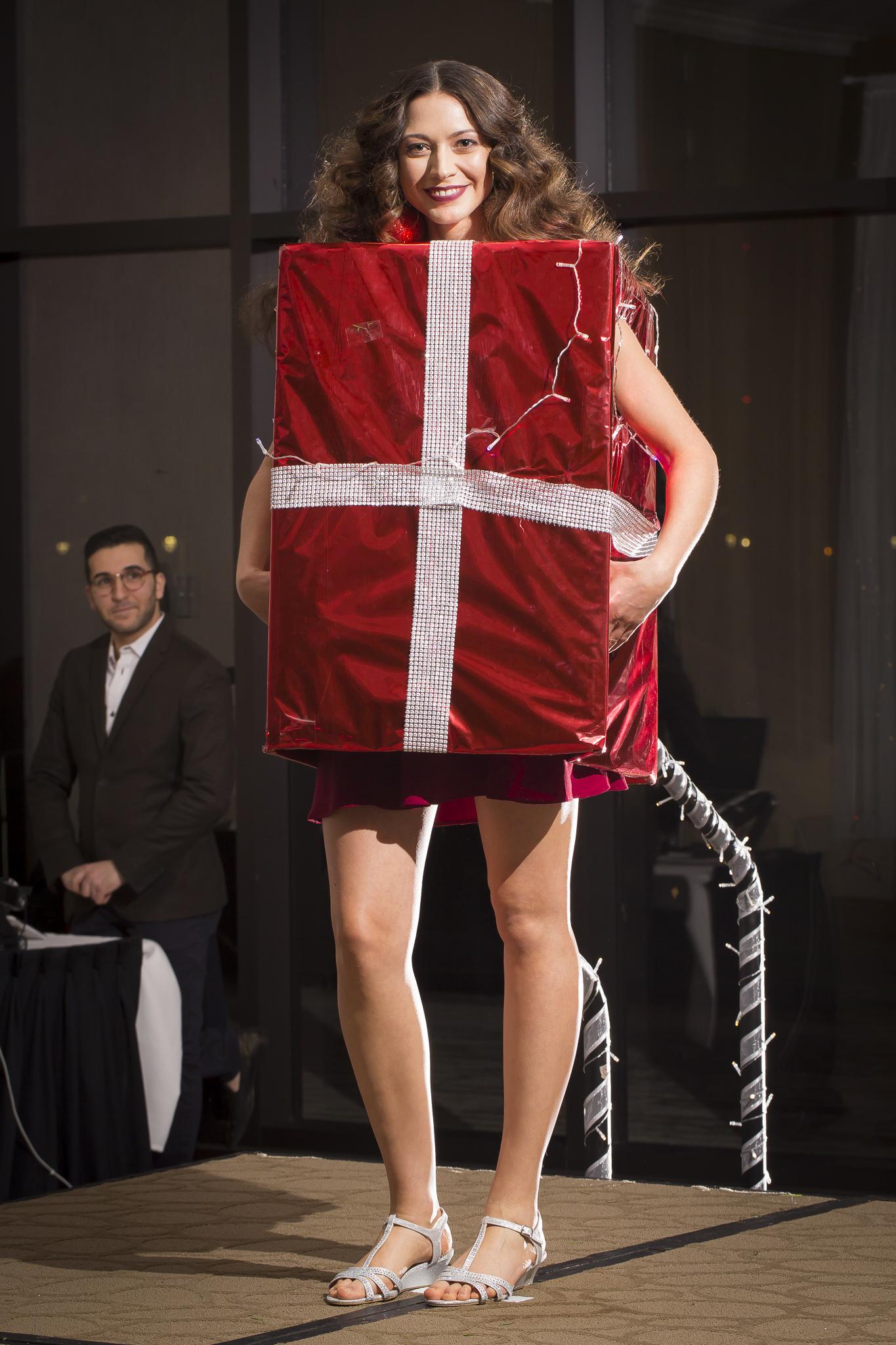 Christmas Tree Fashion Show 31