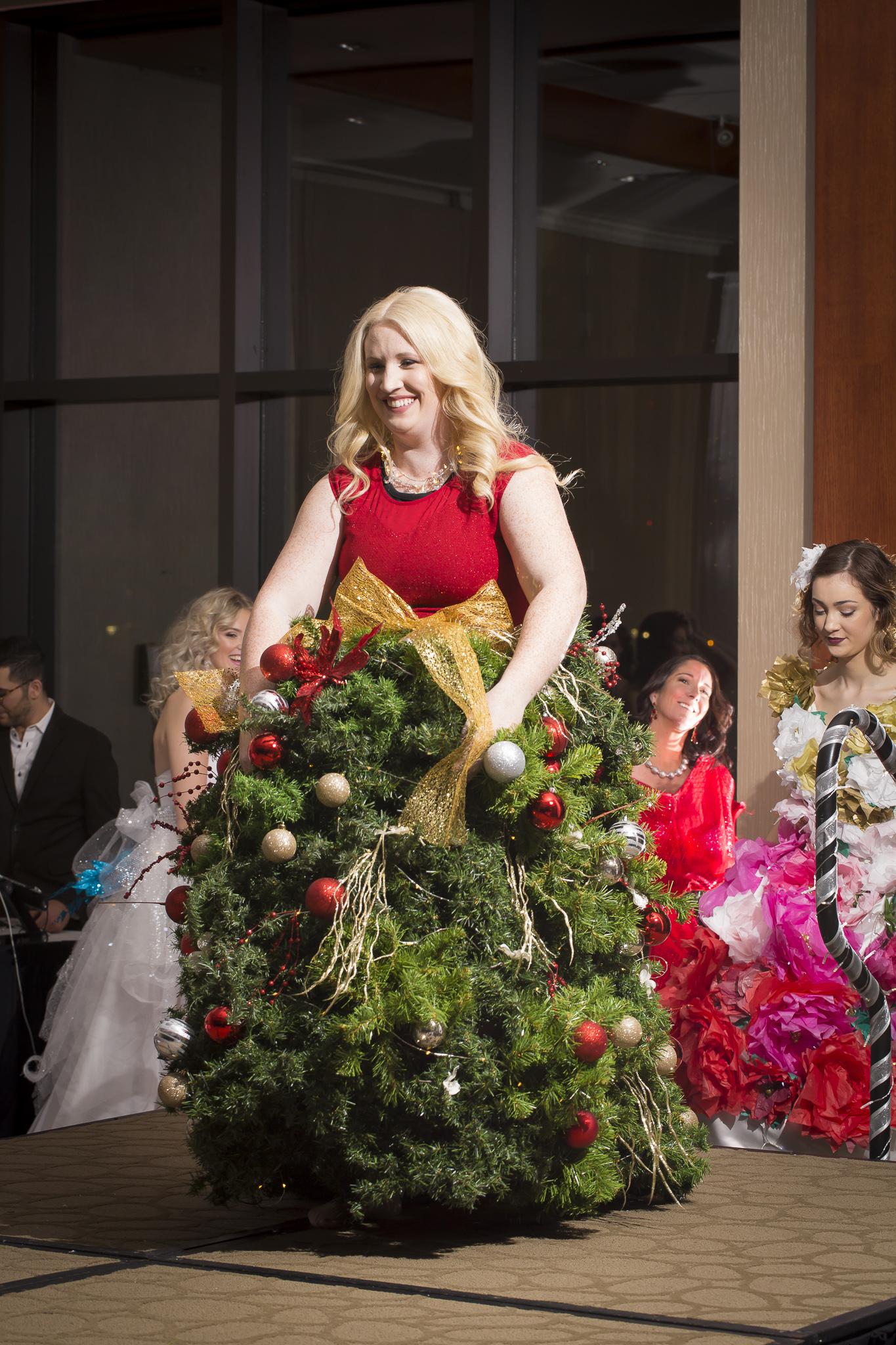 Christmas Tree Fashion Show 24