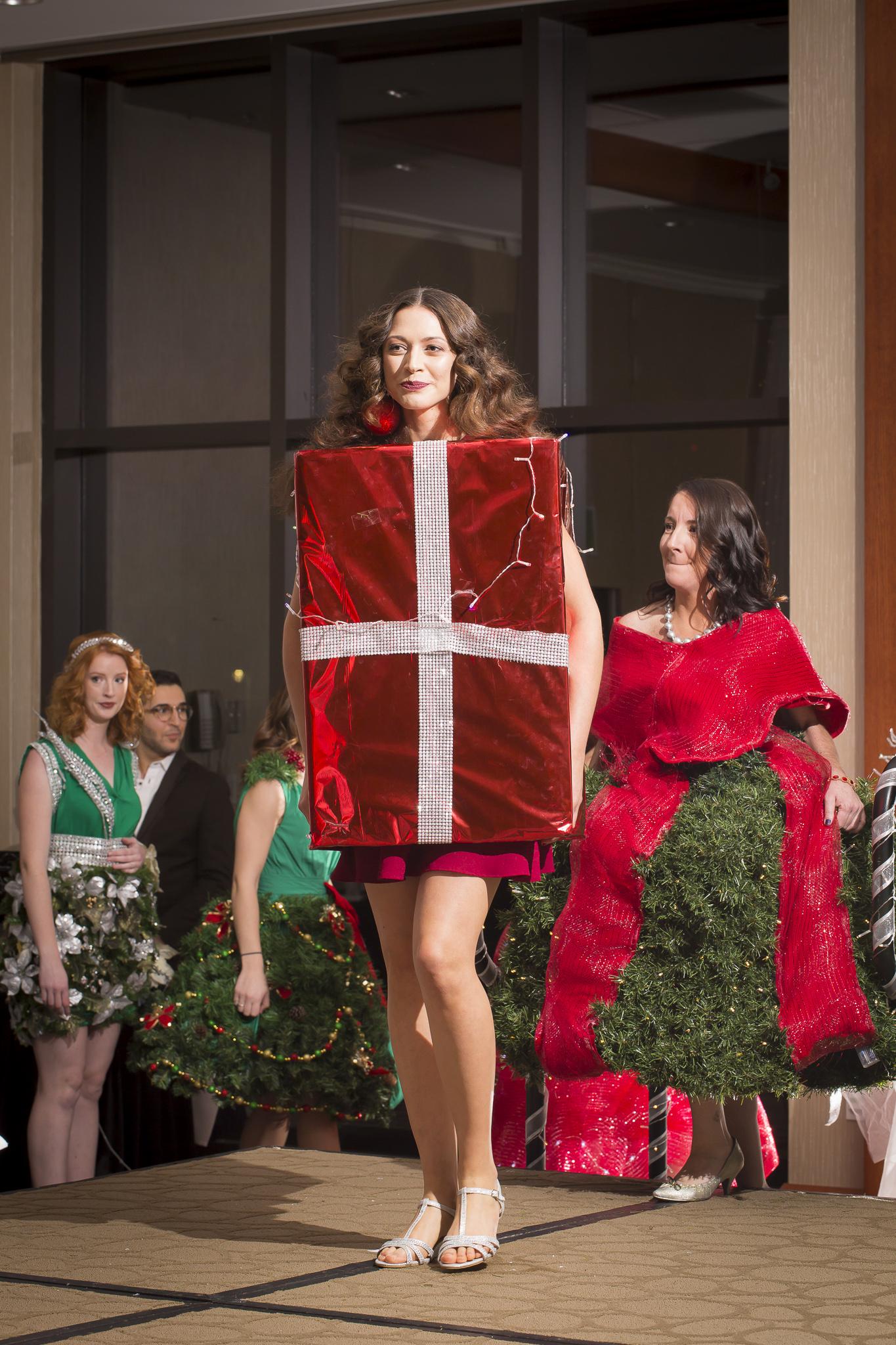 Christmas Tree Fashion Show 22
