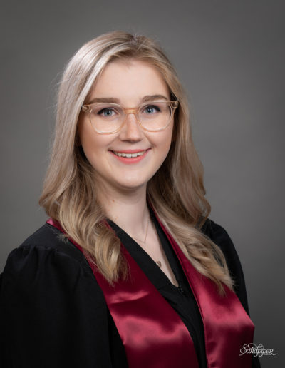 graduation photos of pretty girl with glasses